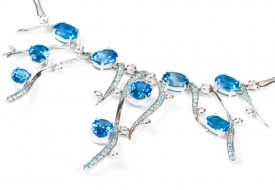 Necklace with blue Sapphires